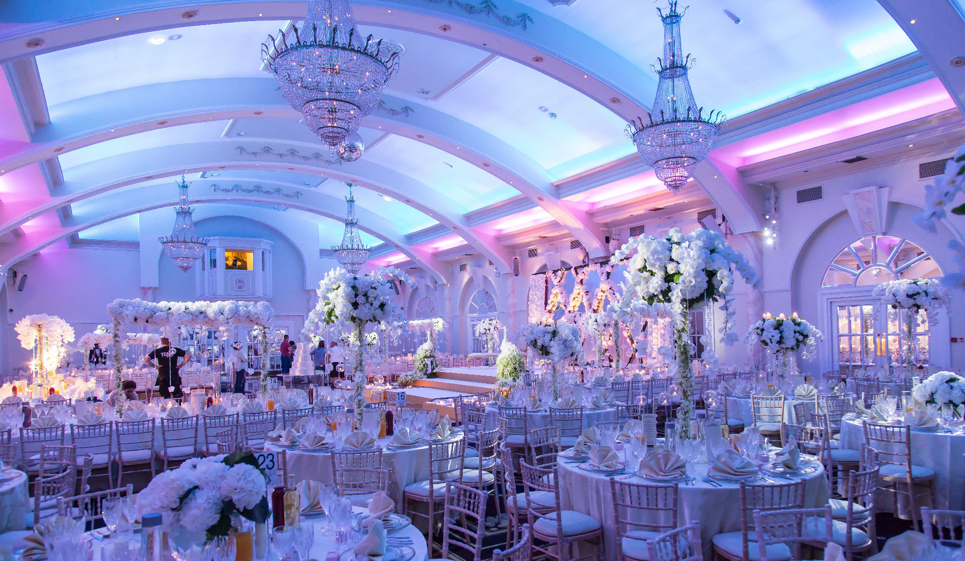 asian wedding caterers  catering in the decorium